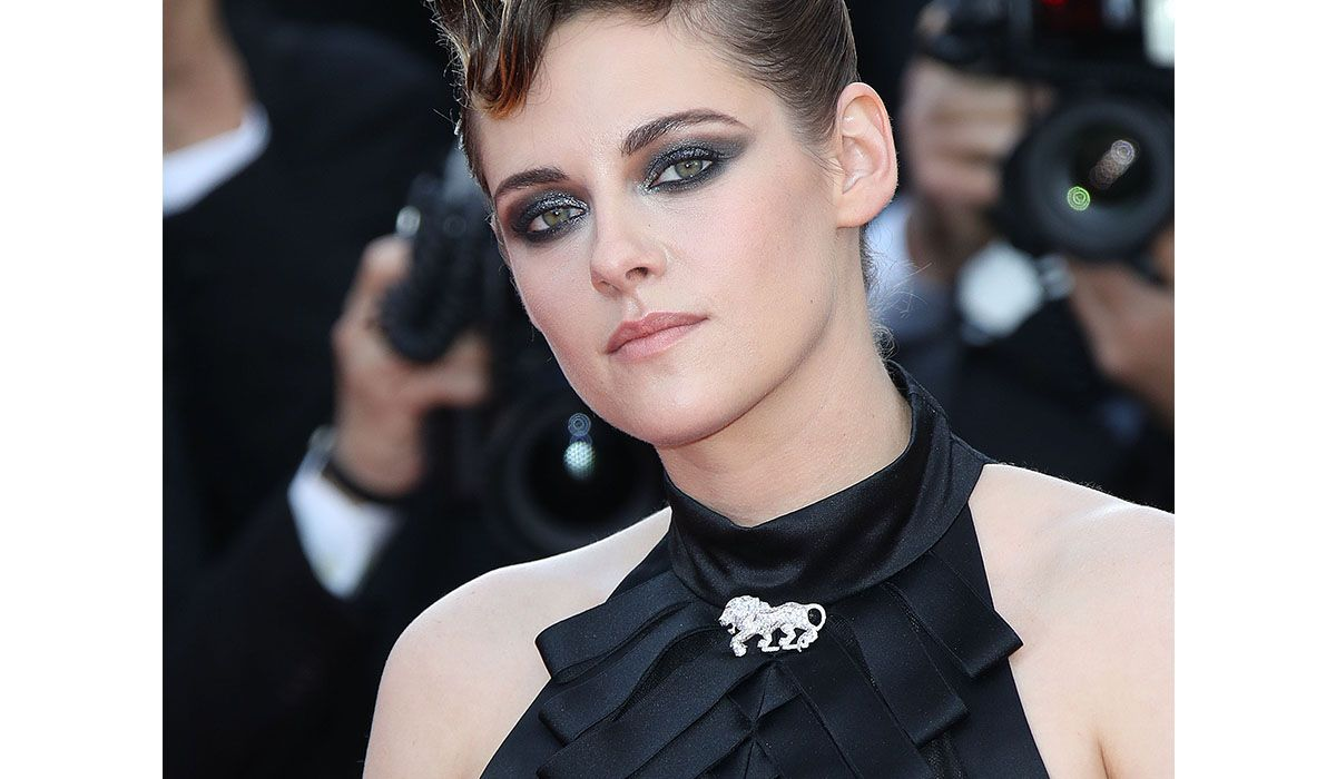Kristen Stewart with L'Esprit du Lion by Chanel