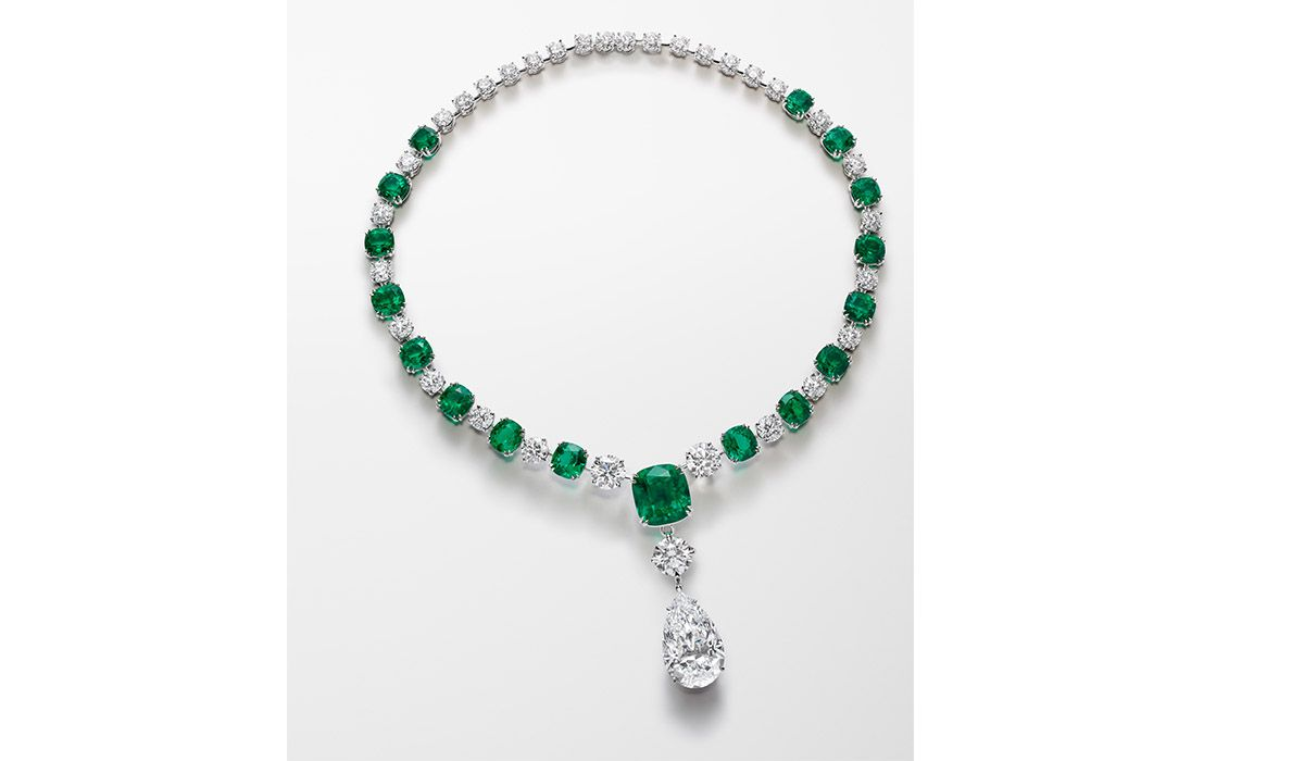 Red Carpet Necklace in platinum set with 17 cushion-cut emeralds