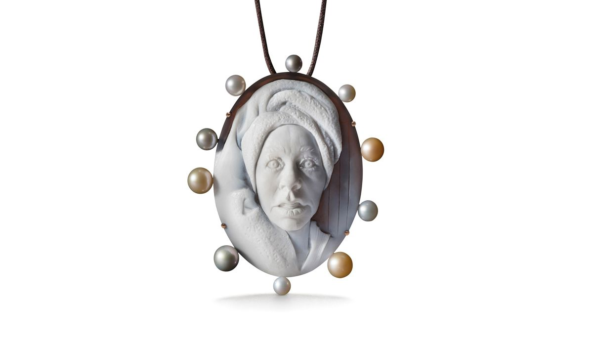 Cindy Sherman SPA necklace pendant convertible in a brooch.