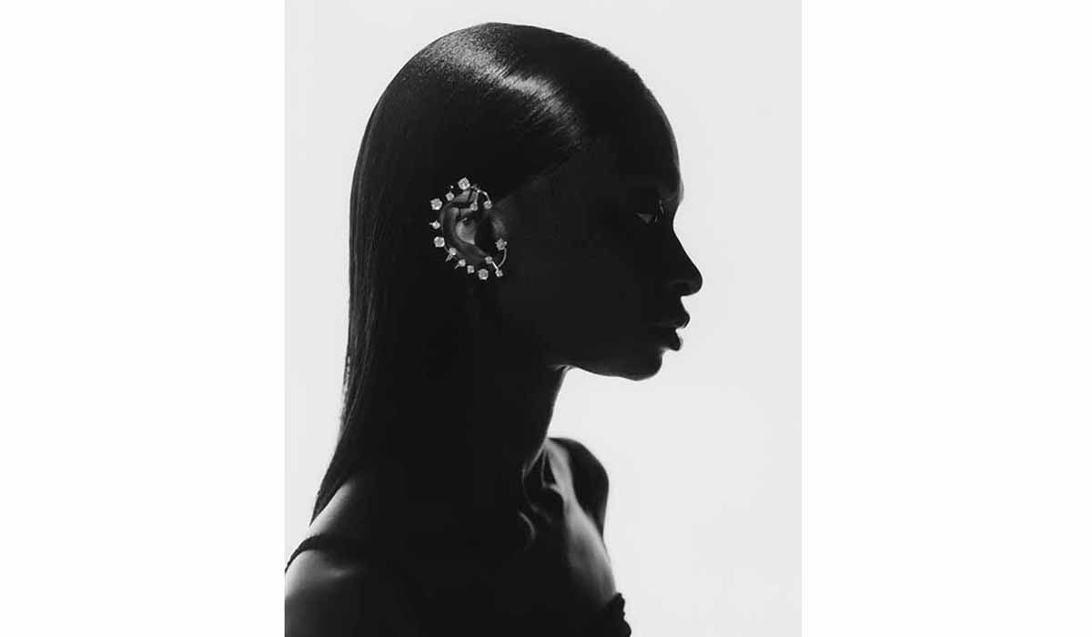 Gold vermeil crystal ear cuff, Constellation capsule, in collaboration with Net-à-Porter. Photo. Lea Colombo, courtesy of Panconesi.
