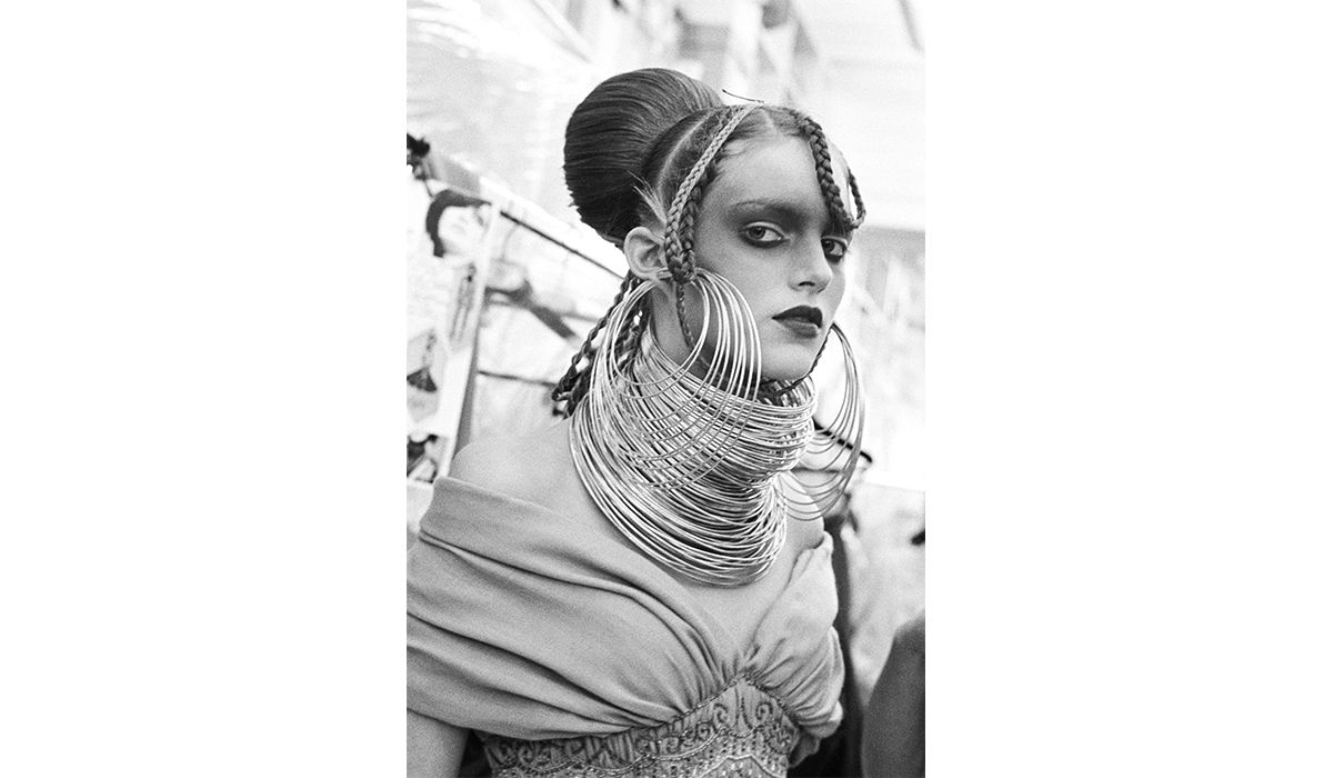 African Coil Hoop necklace and earrings, Givenchy Haute Couture, January 2001. Photo by Ann Ray.