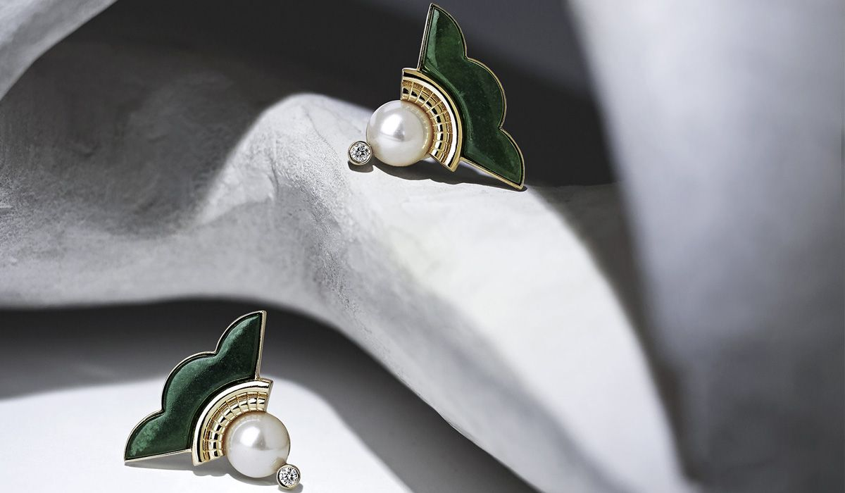 Gold earrings with chrome chalcedony, freshwater pearls, white diamonds.