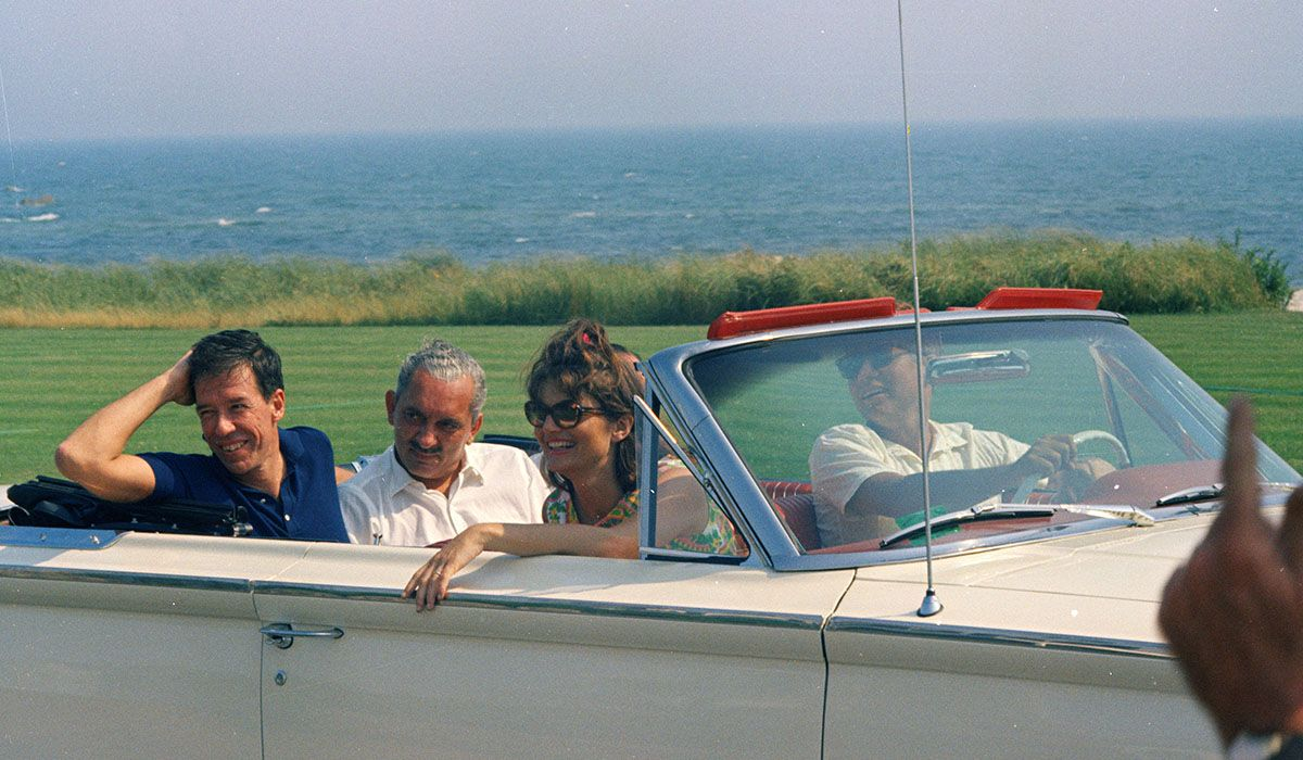Weekend Hyannis Port 1959. Photo Cecil Stoughton.