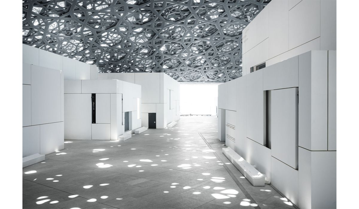 The Rain of Light effect © Louvre Abu Dhabi, Mohamed Somji
