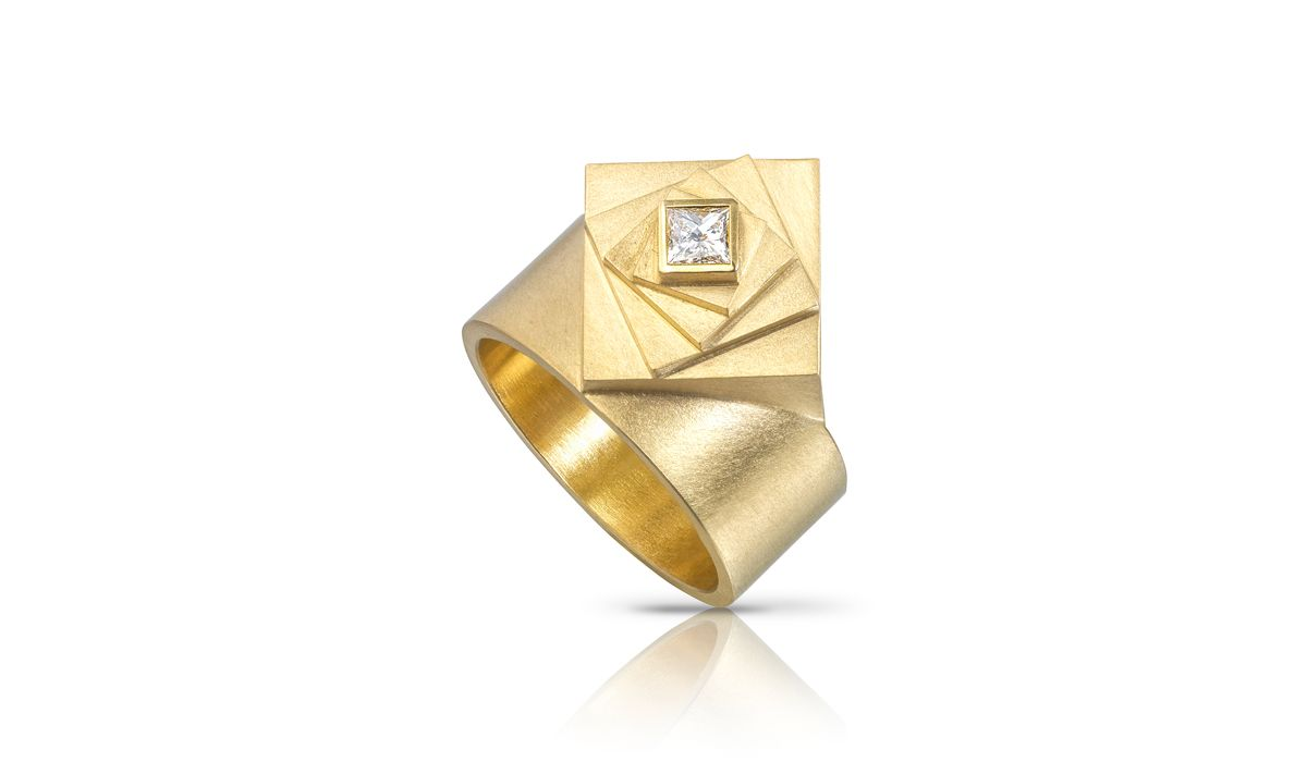 Alleweireldt, Square & round ring with ethical princess cut diamond. 18ct gold.