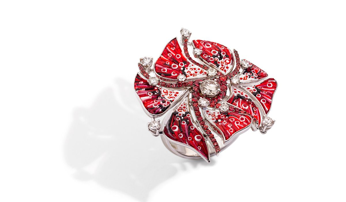 Ring in white gold, red and black micromosaic, diamonds and rubies. Nebulosa Supernova Collection