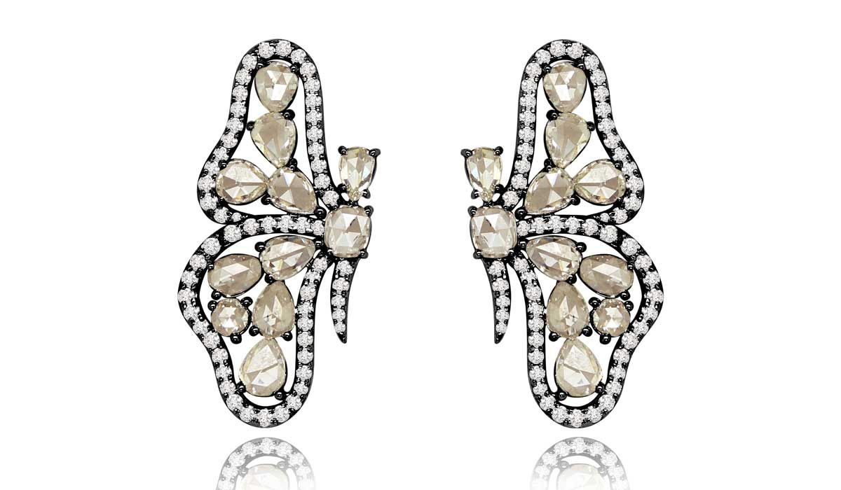 Butterfly earrings with pavé diamonds, Sutra.