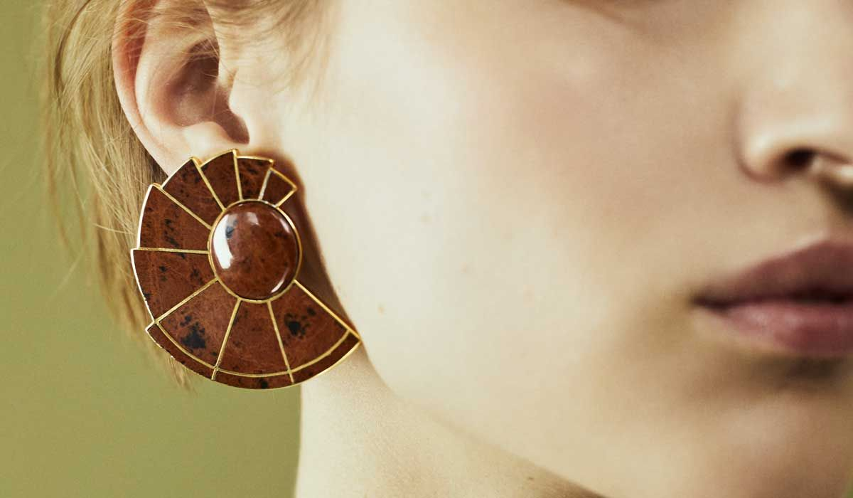 Nautilus Earfan Double in natural brown obsidian set on gold plated brass.