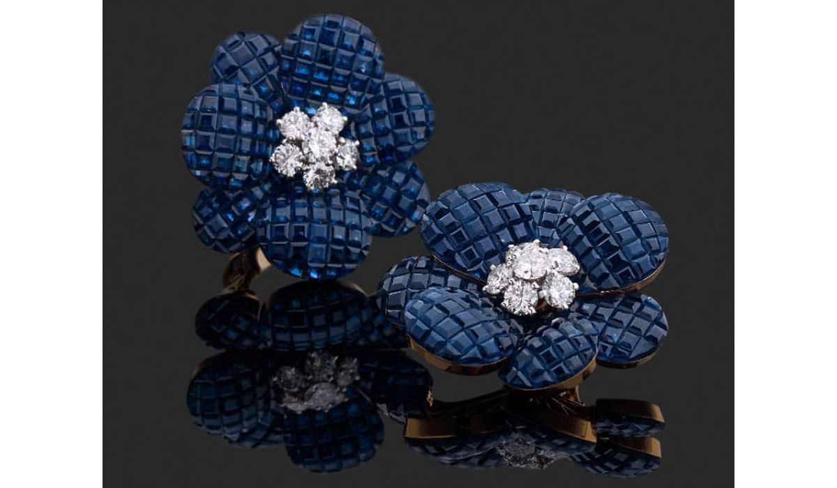 Van Cleef & Arpels, sapphire earrings - Galerie Alain Pautot