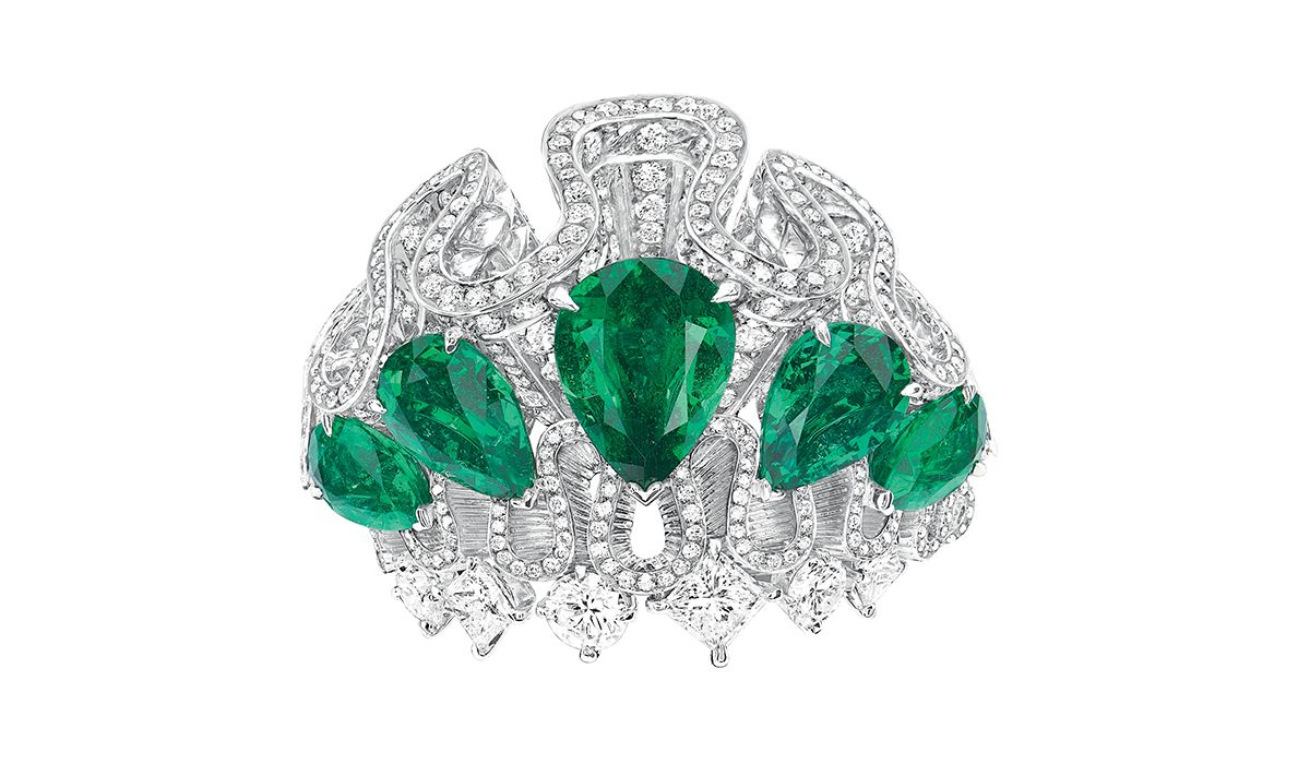 Corolle Jour Emeraude ring. Dior Joaillerie